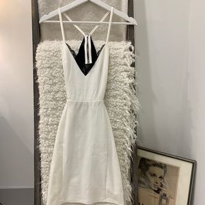 White/Black Lace Bodycon Dress